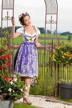 Alpenherz Dirndl Viola aus der Frühjahrskollektion 2014
