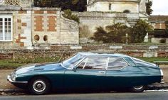 The Citroën SM Opera was launched in 1970. It was based on the chassis of the DS and went out of pro... - Photo Wikimedia Commons