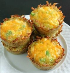Cheddar Onion Hash Brown Cups are fantastic for an on the go breakfast, or easy to handle brunch dish. They make great appetizers or snacks too. Cheddar and onion are a great easy base recipe, and you can always toss in a little chopped ham, crumbled bacon or other delightful tidbits in to satisfy your …
