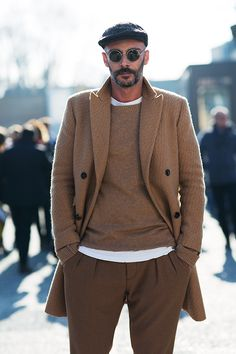 The Sartorialist / On the Street…Camel Dressing Pt. The Sartorialist, Scott Schuman, Mode Man, Mantel Beige, La Mode Masculine, Look Boho, Looks Street Style, Herren Outfit, Sharp Dressed Man