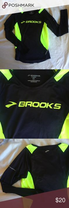 BROOKS RUNNING SHIRT Long sleeve brooks running shirt! In perfect condition -- never worn. Dri fit material that makes it great for layering and any type of work out !! Fitted. Brooks Tops Tees - Long Sleeve