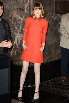 The Amazing Spider-Man 2 press conference, Empire State Building, New York – April 25 2014 Emma Stone wore a dress from the Valentino autumn/winter 2014 collection. Celebrity Red Carpet, Celebrity Dresses, Celebrity Style, Elle Fashion, Star Fashion, Emma Stone Style, Actress Emma Stone, Color Naranja, 2014 Trends