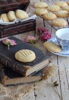 Las megasupefácilesy deliciosas galletas que con tan sólo tres ingredientes quedanriquísimas, sinoprobarlasy ya me diréis, ademas son ideales para hacer con los niños.Vienen invitados y quieres