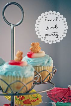 BP- not the cupcakes, but the teddy grahams in the gummy rings are cute! Kids Beach Party, Summer Pool Party, Beach Kids, Summer Parties, Beach Fun, Teen Beach, Beach Pool, Tiki Party, Luau Party