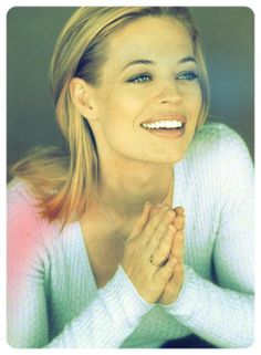 Jeri Ryan / Seven of Nine / Star Trek: Voyager / 37DD of Nine / 38-of-D /  / 38-of-D /  6-of-9 / Tette di Nove / Barbie Borg