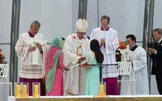 Pape François - Pope Francis - Papa Francesco - Papa Francisco - JMJ RIO 2013 - Papa Francisco abençoa fiel durante Missa de Envio