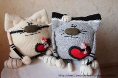Ideas for pillows Felt Pillow, Crochet Pillow, Sewing Toys, Sewing Crafts, Sock Dolls, Baby Hats Knitting, Sewing Pillows, Camping Crafts, Crochet Toys
