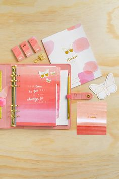 CardNest's Christmas gift guide for a stationery lover. From notebooks to pen holders, get inspired in our gift guide. Time Planner, Kikki K Planner, Happy Planner, Planner Ideas, Christmas Gift Guide, Christmas Gifts, Planner Stickers, Make Time, How To Make
