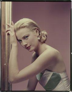 Grace Kelly 1955 for Cosmopolitan ©The Estate of Erwin Blumenfeld