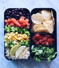 These healthy vegan bento box ideas and recipes for lunch will make sure that you or your kiddos never go hungry or have to buy junk food! A ton of delicious and plant-based ideas you can make for work, school or road trips. Lunch Recipes, Healthy Dinner Recipes, Healthy Snacks, Vegan Recipes, Healthy Eating, Vegan Meals, Diet Recipes, Vegan Lunches, Healthy Food Tumblr