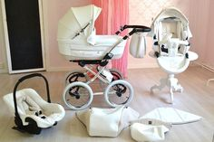 This stroller is everything Baby Necessities, Baby Essentials, Baby Prams, Baby Room Design, Nursery Design, Baby Gadgets, Baby Carriage, Everything Baby, Baby Bedroom