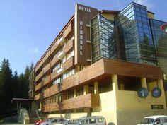 Un modern hotel de 4 stele, Hotelul Cindrel priveste cu mandrie culmile semete ale Cindrelului, fiind situat in centrul statiunii Paltinis. Stele, Multi Story Building, Modern, Trendy Tree