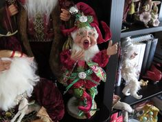 Christmas Elves Mark Roberts & Floridus Michele Blanchard-Seidel Santa Christmas, Christmas Ideas, Christmas Crafts, Mark Roberts Elves, Disney Christmas Decorations, Elves And Fairies, Faeries, Mickey Mouse, Christmas Ornaments