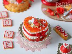 En forma de corazón de la fresa Pastel de San Valentín
