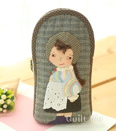 Coin Purses, Purses And Bags, Cash Wallet, House Quilts, Small Bags, Hanging Chair, Diy And Crafts, Applique, Pouch