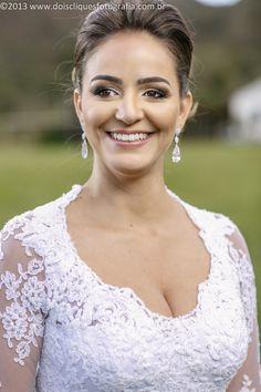 Noiva / Bride / Véu / Veil / Penteado / Hairdo / Maquiagem / makeup