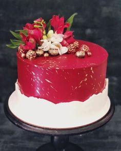 Cake Decorating Company, Cakes, Desserts, Food, Descendants Cake, Mockup, Birthday Cakes, Food Cakes, Tailgate Desserts