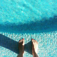 Obligatory Pool Selfeet 💦🌴💙#artbeneathourfeet #hastobedone  ________________________________________________#selfeet #lookdown #pool #swimming #swim #swimmingpool #water #holiday #vacation #fromwhereistand #islabonita #lapalma #lasolas #canaries #canaryislands #canarias #turquoise #mosaic #tropical #ihavethisthingwithfloors #ihavethisthingwithturquoise #ihavethisthingwithblue #travel #traveling #wanderlust