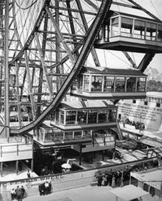 First Ferris Wheel at 1893 World Fair in Chicago. Each car held 60 people.