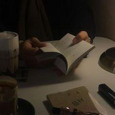 Nothingsqueen94 Night Aesthetic, Book Aesthetic, Aesthetic Photo, Aesthetic Pictures, Aesthetic Grunge, Aesthetic Vintage, Vaporwave, Art Sombre, Dark Feeds