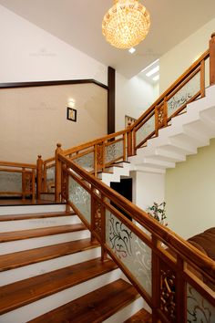 93 Stunning Modern Entrance Staircase Design Ideas 73 - Home Sweet Wooden Staircase Railing, Stair Railing Design, Stair Handrail, Handrail Ideas, Wooden Stairs, Banisters, Home Stairs Design, Interior Stairs, Home Interior