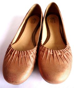 CLARKS Artisan Collection Peach Metallic Leather Pleated Ballet Flats-Womens-9M.