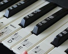 Keyboard or Piano Stickers up to 88 KEYS for the black & whi.-Keyboard or Piano Stickers up to 88 KEYS for the black & white keys learn faster Keyboard or Piano Stickers up to 88 KEYS for the black & white keys learn faster 61 Key Keyboard, Music Keyboard, Keyboard Stickers, 88 Key Piano, Piano Lessons For Beginners, Piano Lessons For Kids, Keyboard Lessons, Learn Faster, Piano Teaching