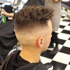 Haircut by benwardscissorhands http://ift.tt/25hUUkh #menshair #menshairstyles #menshaircuts #hairstylesformen #coolhaircuts #coolhairstyles #haircuts #hairstyles #barbers