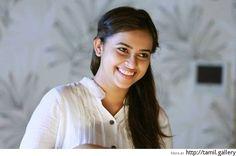 Sri Divya's role in Kaashmora revealed - http://tamilwire.net/57718-sri-divyas-role-kaashmora-revealed.html