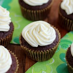 Guinness Cupcakes with Bailey's Irish Cream Frosting - Alcohol Cupcakes!