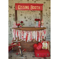 Kissing Booth Photo Backdrop *NEW – PepperLu