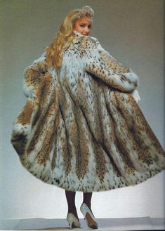 All Things Stylish And Furry Fur Coat Fashion, Leather Fashion, Lynx, Fur Clothing, Vintage Clothing, Curvy Petite Fashion, Vintage Fur, Fake Fur, Black Blazers