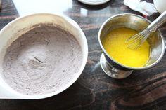 Enkel sjokoladekake i langpanne - Krem.no