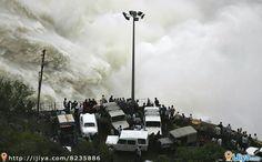 Stunning  scene of  Srisailam Dam, AP, India   @ http://ijiya.com/8235886
