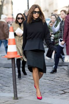 Asymmetrical outfit  | For more style inspiration visit 40plusstyle.com