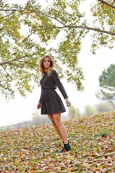 Greta for Hope Fashion Shooting 70'style fall winter autumn in Tuscany