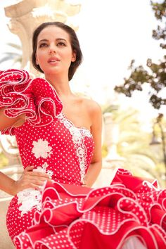 Traditional costumes in Europe - Anthrocivitas Flamenco Skirt, Costumes Around The World, Costume Dress, Pattern Fashion, Fancy Dress, Lady In Red, Beautiful Outfits, Street Style, Style Inspiration