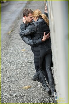 Shailene Woodley & Theo James: New 'Divergent' Pic! | shailene theo new divergent pic 01 - Photo