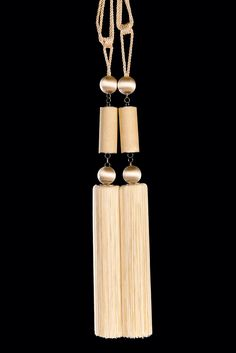 Contemporary tassel tieback by Monika de Silva, www.mdesdesigns.co.uk