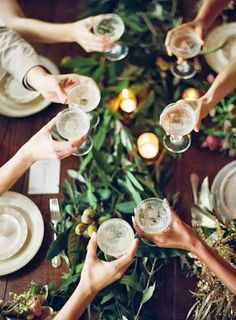 entertaining, dinner party, cheers Image Via: The Effortless Chic Festa Party, Martha Stewart Weddings, Noel Christmas, Christmas Music, Christmas Brunch, Christmas Treats, Christmas Playlist, Christmas Cocktails, Magical Christmas