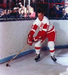 Shop for framed Gordie Howe - Skating with puck by Unknown. Detroit Hockey, Detroit Sports, Hockey Teams, Hockey Players, Ice Hockey, Hockey Rules, Sports Teams, Detroit Red Wings, Nfl Highlights