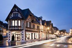 Deauville. Resort. Le autre   Maison àux sur le Mer .