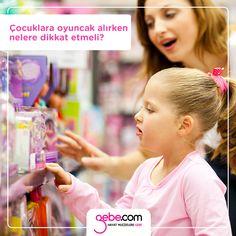 Çocuklara oyuncak alırken nelere dikkat etmeli?  -Oyuncak firması -Oyuncağın büyüklüğü -Zararlı ve yabancı maddeler içerip içermediği
