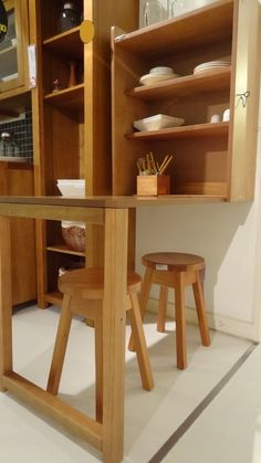 Small Space Living Looking For Space Saving Furniture Folding Kitchen Table, Dining Table With Storage, Diy Home Furniture, Space Saving Furniture, Bureau Design, Convertible Furniture, Space Saving Kitchen, Folding Walls, Japanese Furniture