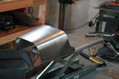 Cafe Racer Seat Dunstal Cb750 oil tank in cowl07