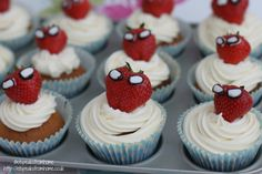 Spider-Man Cupcakes - I could pipe chocolate for the web pattern on spider man's face. Also would use blue icing.