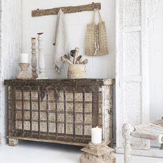 Showpieces For Home Decoration Nature Decor, Boho Decor, Rustic Decor, Indian Furniture, Home Furniture, Interior Styling, Interior Design, Living Room Sofa, Rustic Interiors