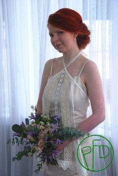 Dress: Trilogia. Jewelry: Ninka.