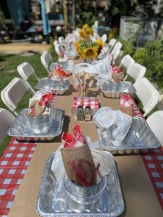 Shrimp Boil Party, Crawfish Party, Seafood Party, Seafood Dinner, Cajun Seafood Boil, Seafood Broil, Crab Cupcakes, Fish Boil, Birthday Dinners