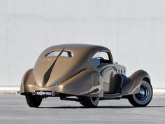 1937 Delage D-8 D8 120. Stylish futuristic retro streamlined chrome fin